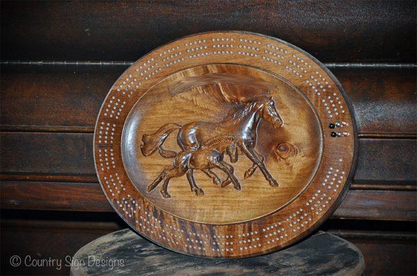mare and foal crib board 600px